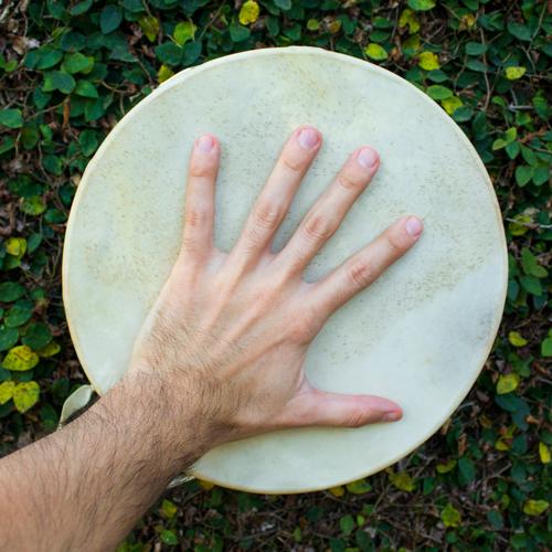Roda de tambores e de cantos sagrados