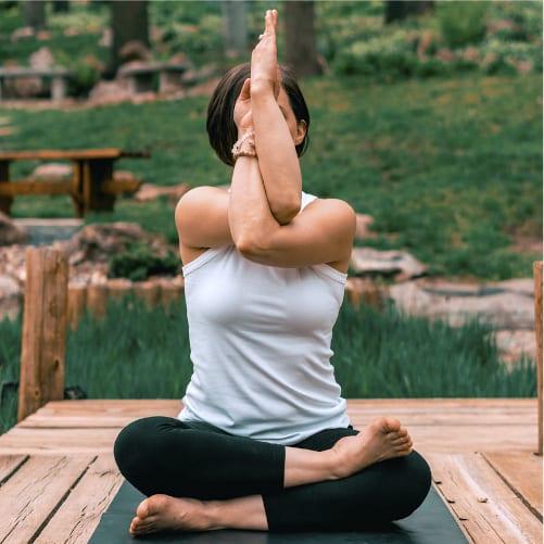 Curso de Aprofundamento em Posturas e Respirações do Yoga
