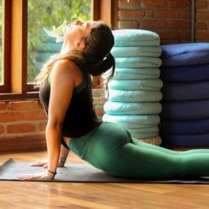 Bhujangasana yoga uniluz