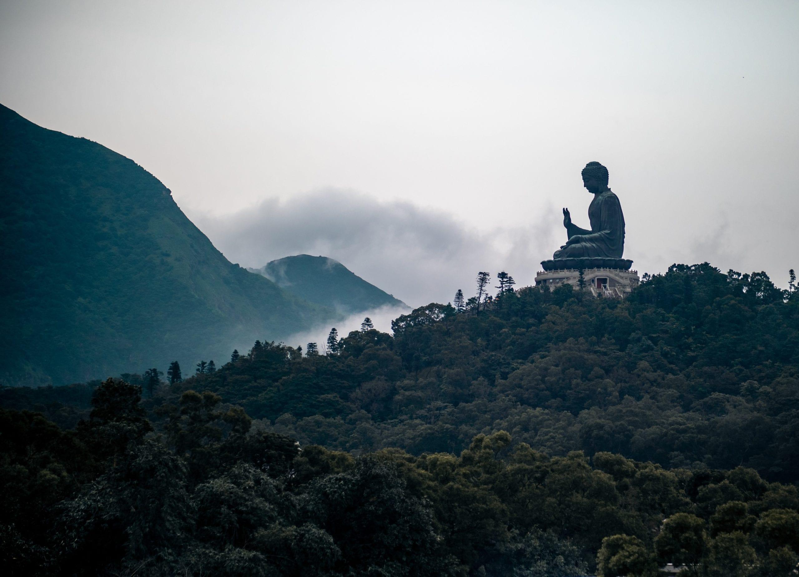estatue zen budista