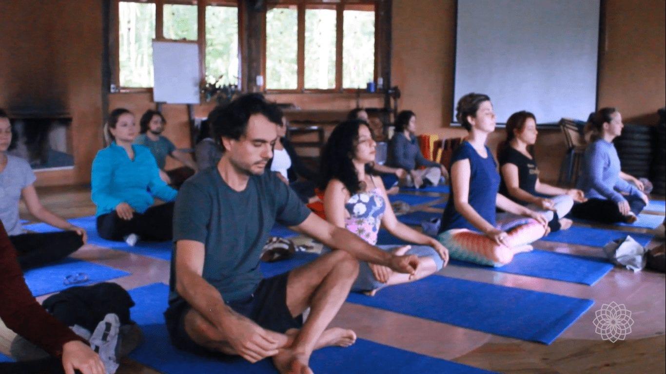 turma-capacitacao-em-yoga-nazare-uniluz